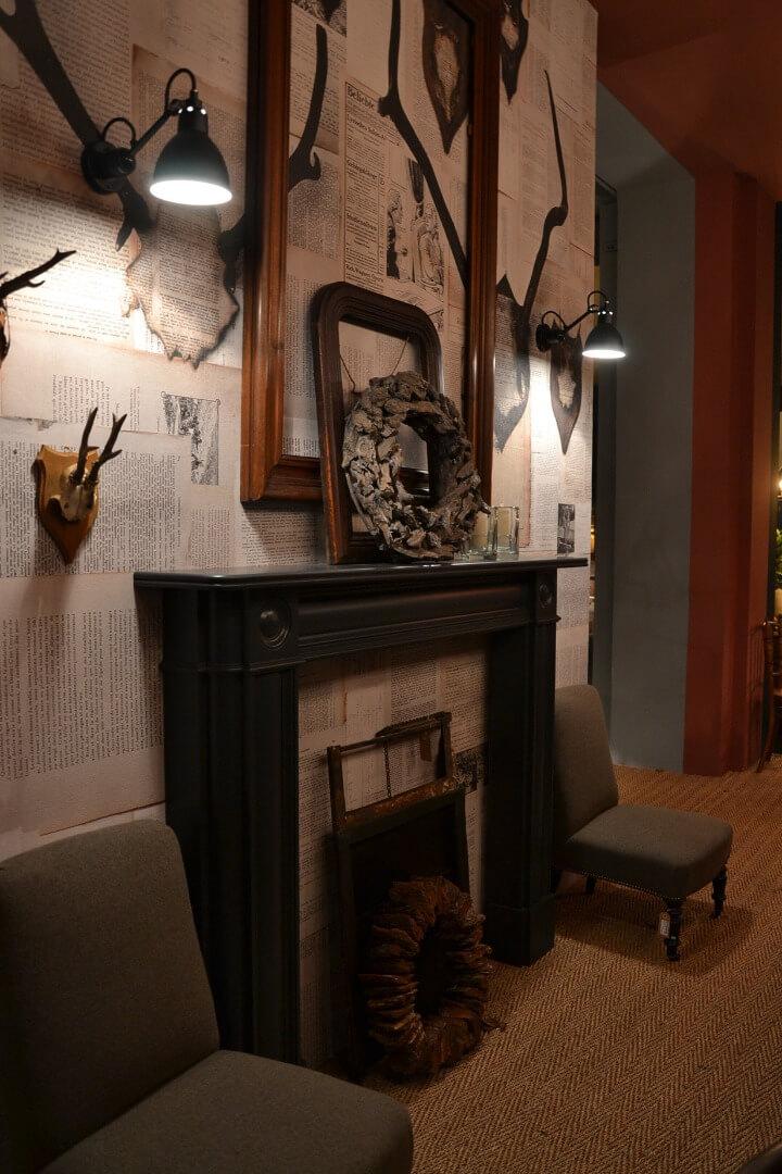 Camino in legno stunning cornice camino in legno naturale - Finestre stile americano ...